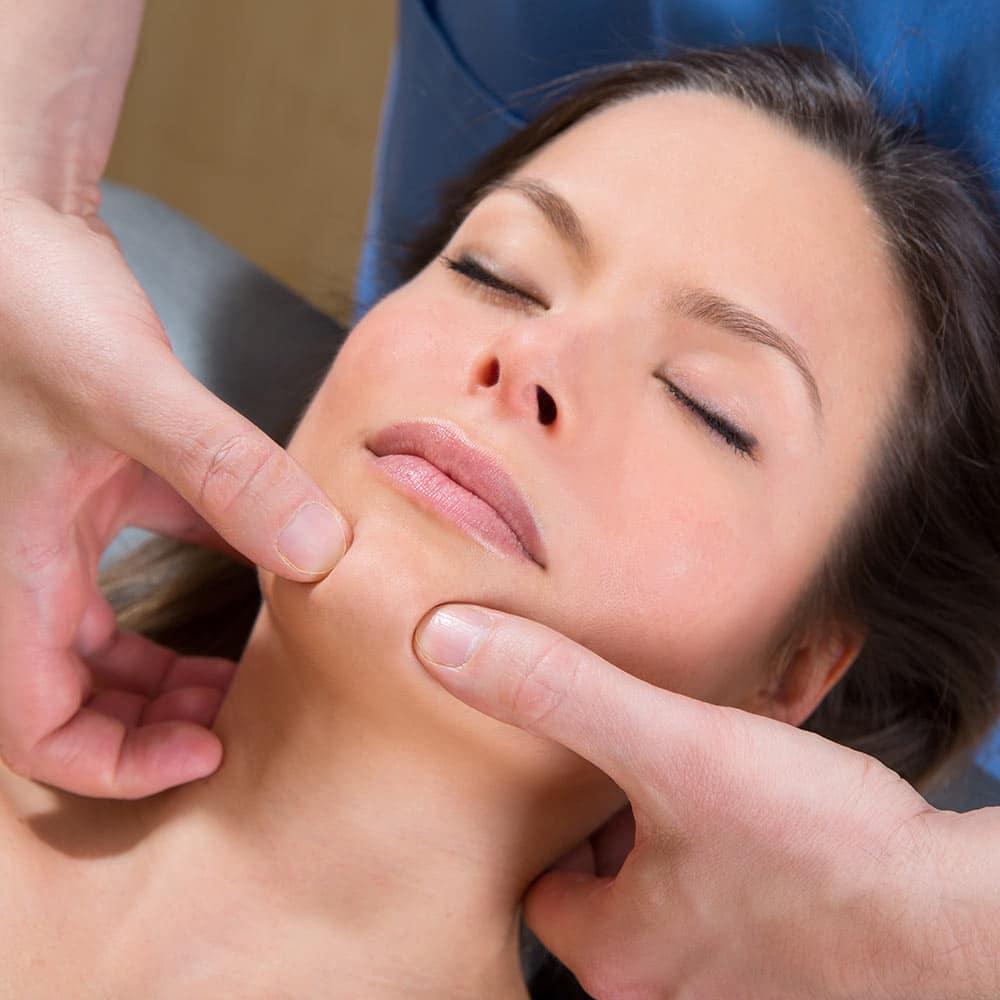 Réflexologie faciale et auriculaire en entreprise